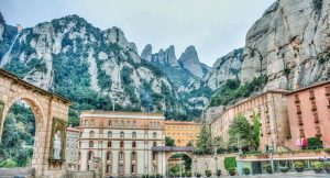 day trip from barcelona montserrat 740x400