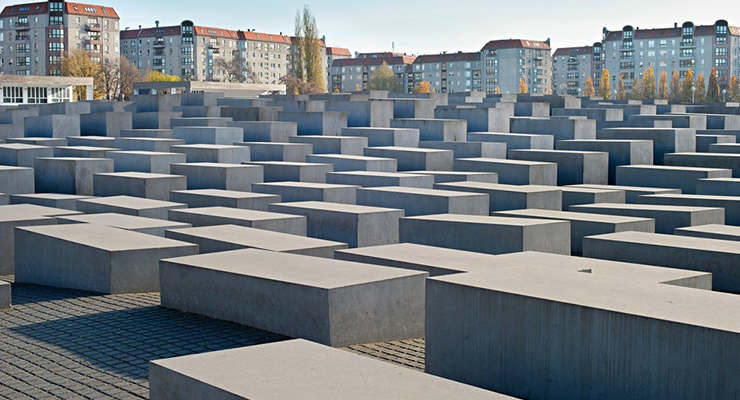 Holocaust Monument2